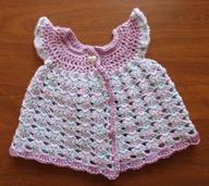 Crochet_newborn_sleeveless_pinafore_sweater